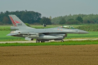 F-16AM, 665 taxiing