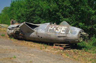 Dumped Hawker Hunter F.4, ID-16