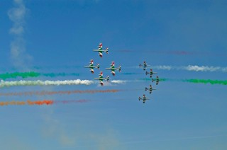 Frecce Tricolori performing the Arizona formation