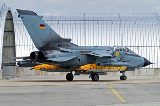 Panavia Tornado IDS, 44+78, AG 51 taxiing in front of a sun shed at BAN Landivisau